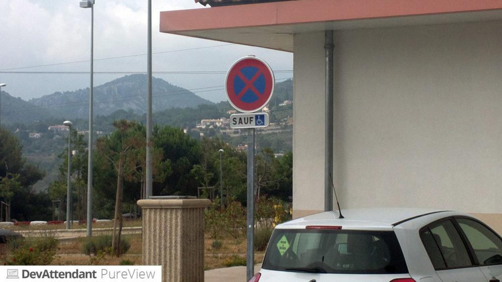 Dieses Schild war am Rastplatz kurz nach der franz. Grenze und ich fand es irgendwie lustig :D *sucht Niveau*
