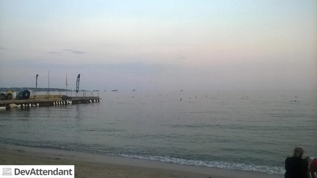 Das erste Mal Meer- und Strandblick in Vallauris.