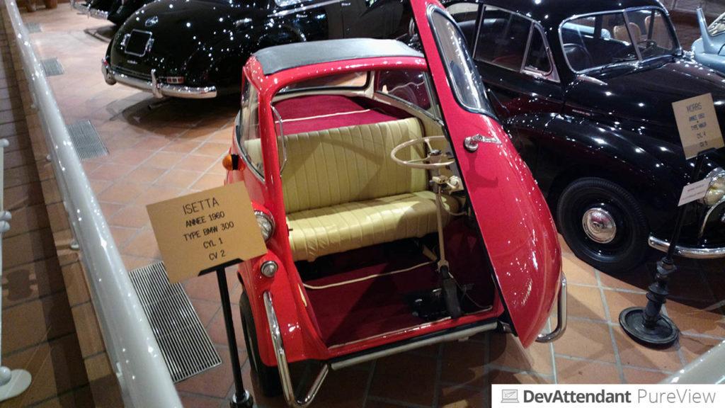 In der Automobilausstellung des Fürsten