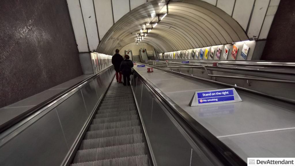 Ein steiler Abgang zur Underground