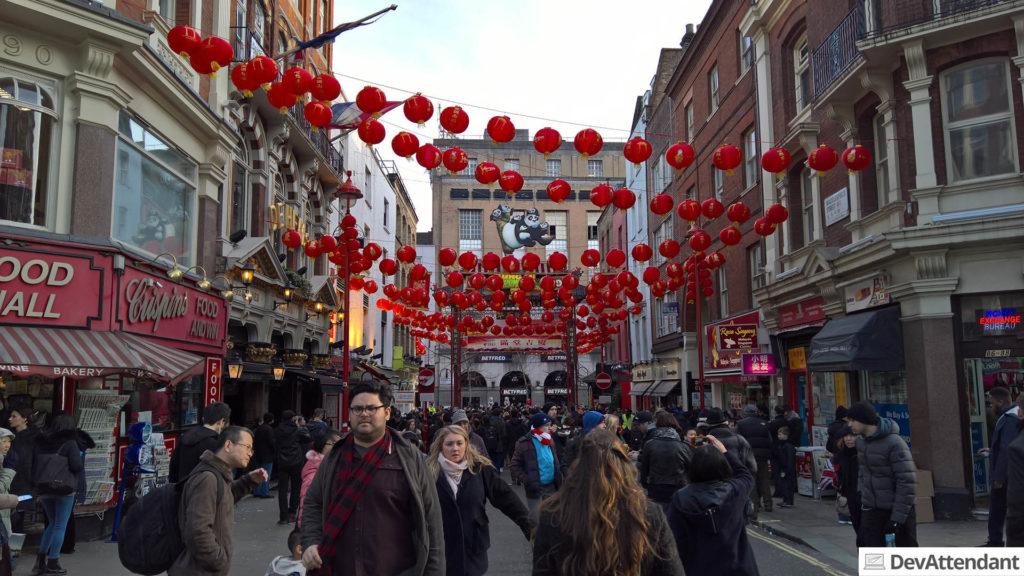 Hier sehen die Lokalitäten mehr nach Chinatown wie auf dem Foto zuvor aus :)