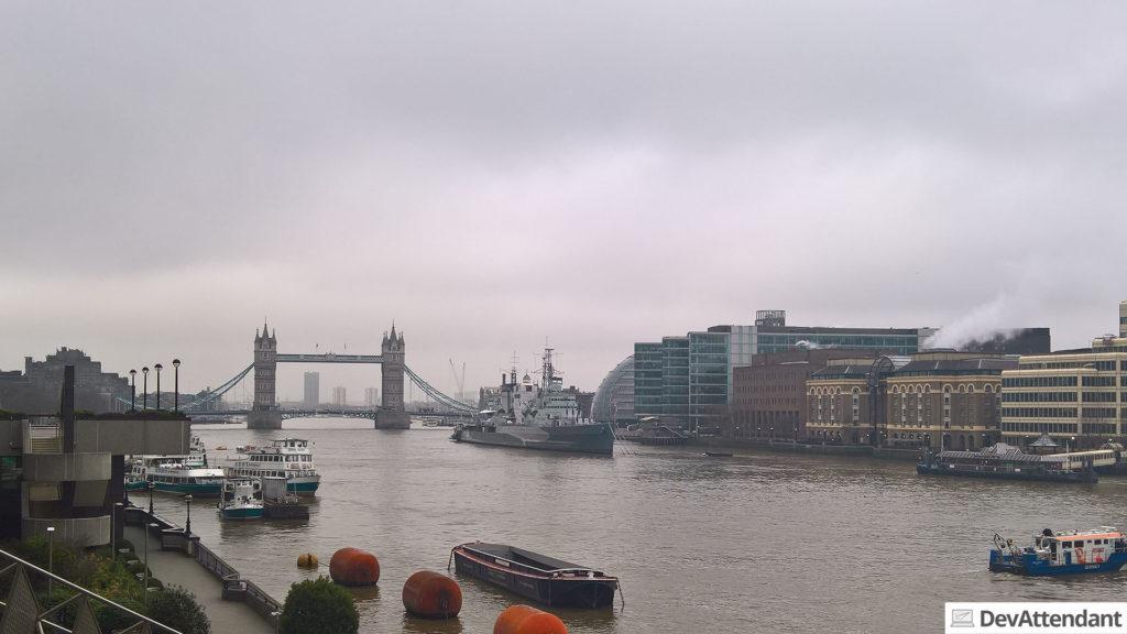 Die Tower Bridge und Themse <3