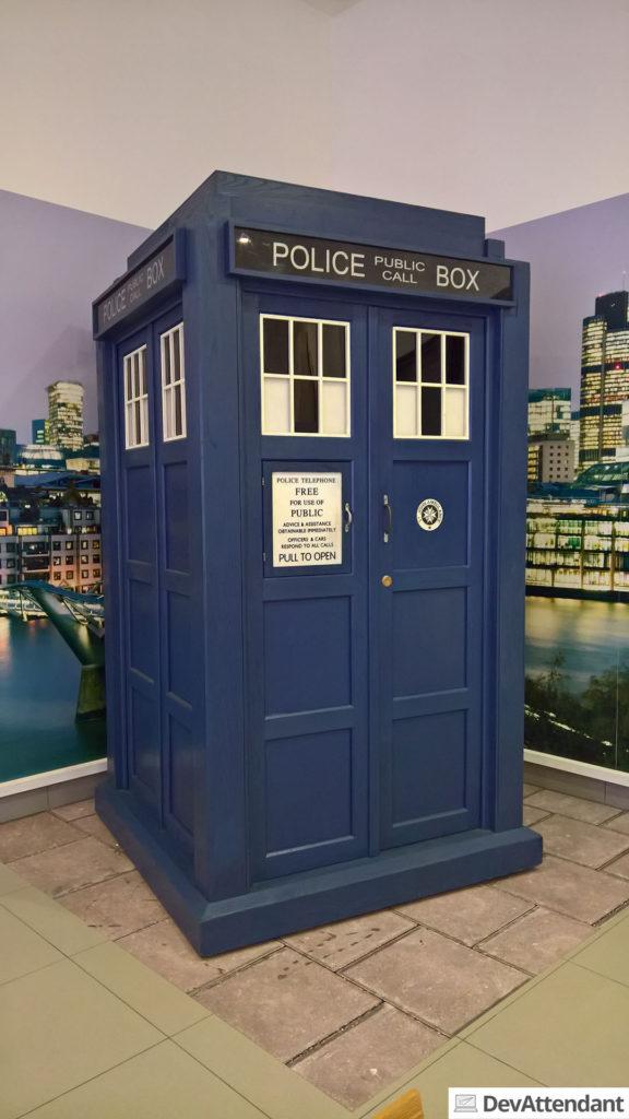 Eine TARDIS bei der BBC