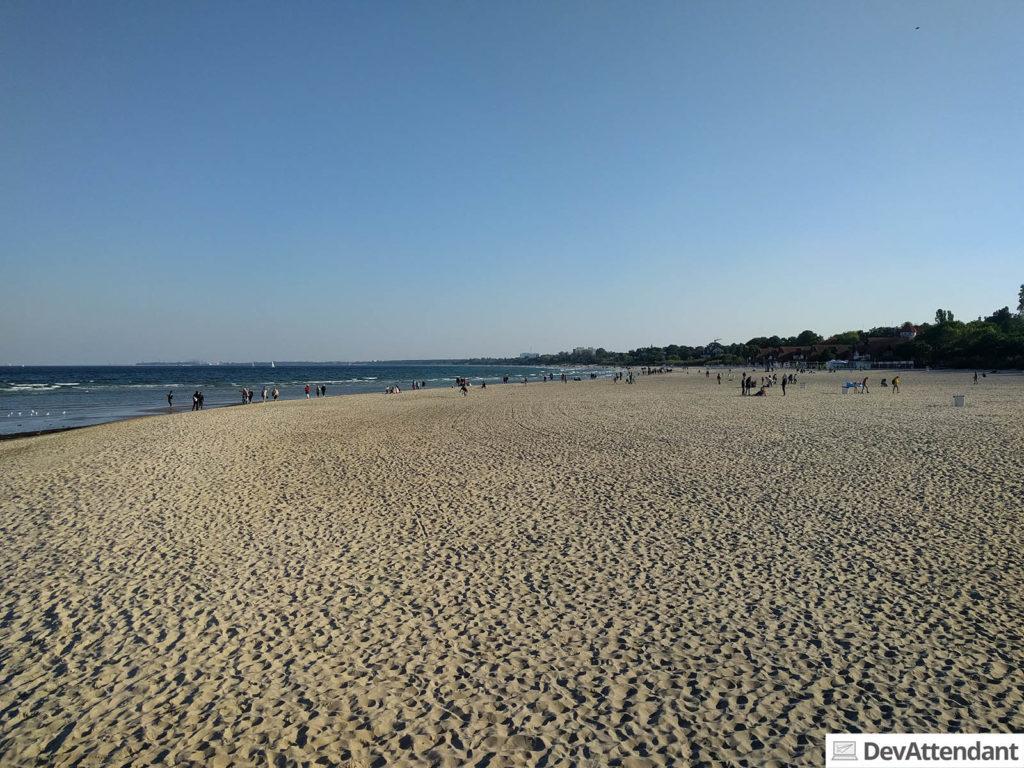 Strandperspektive vom Steg in Sopot aus