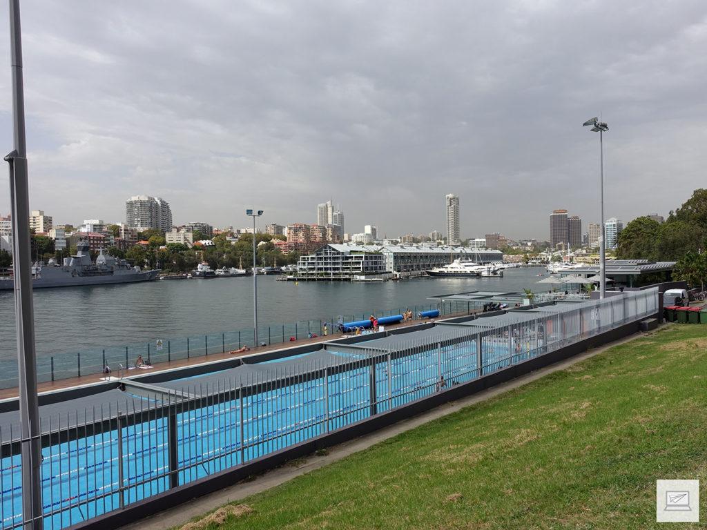 Das Schwimmbad am Finger Wharf