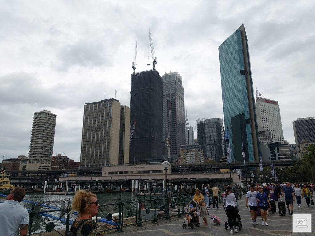 Circular Wharf und die Skyline