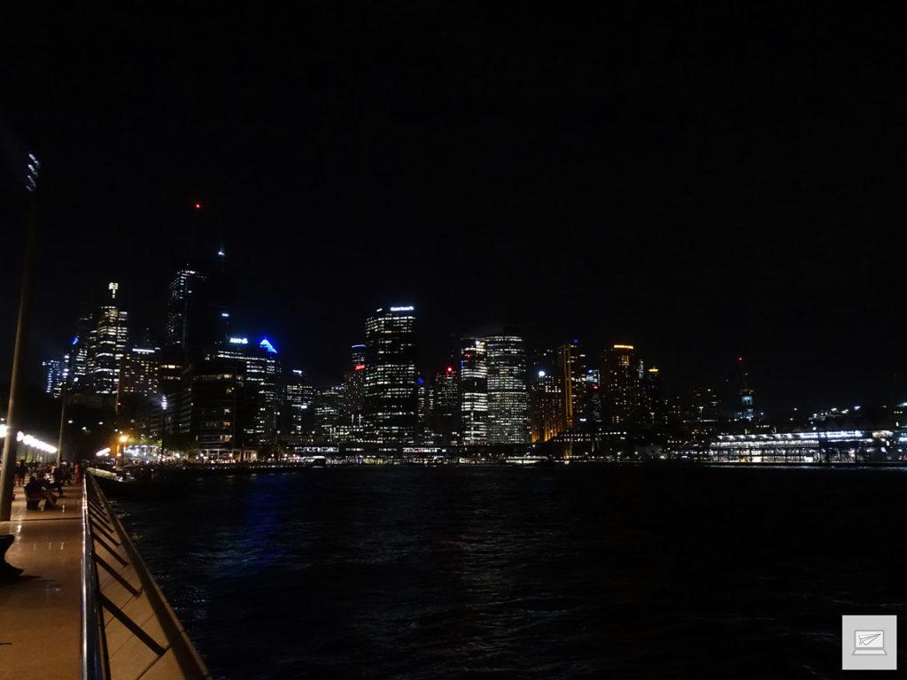 Und einmal die Skyline bei Nacht