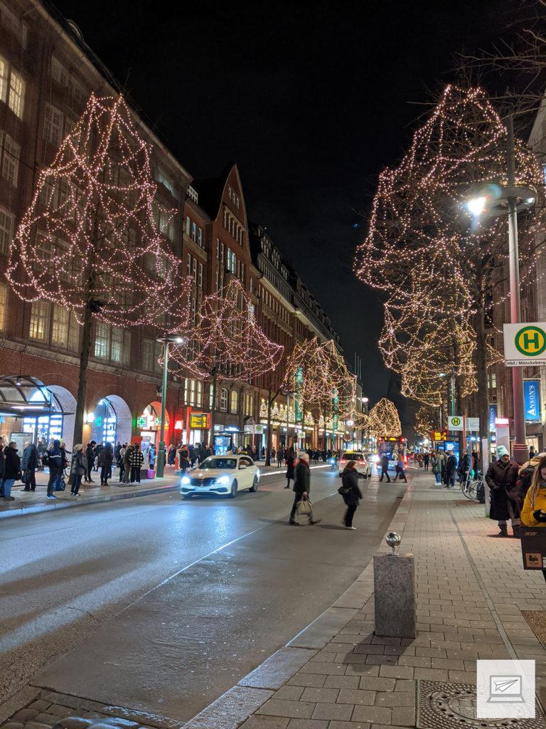 Abend- und Weihnachtsstimmung auf der Mönckebergstraße