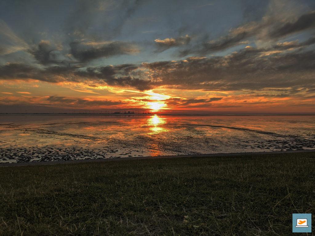Der Sonnenuntergang war trotz des Alleine-Daseins und der Paare um einen herum bildschön...