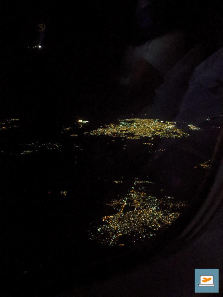 Santo Domingo bei Nacht auf dem Rückflug